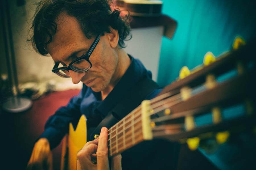 Alain Dabreteau - guitariste & plasticien.